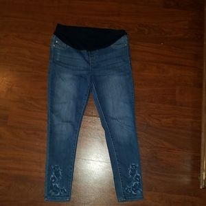Maternity Celebrity Pink Jean's size small